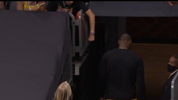 LeBron heads to locker room early in Lakers' blowout loss