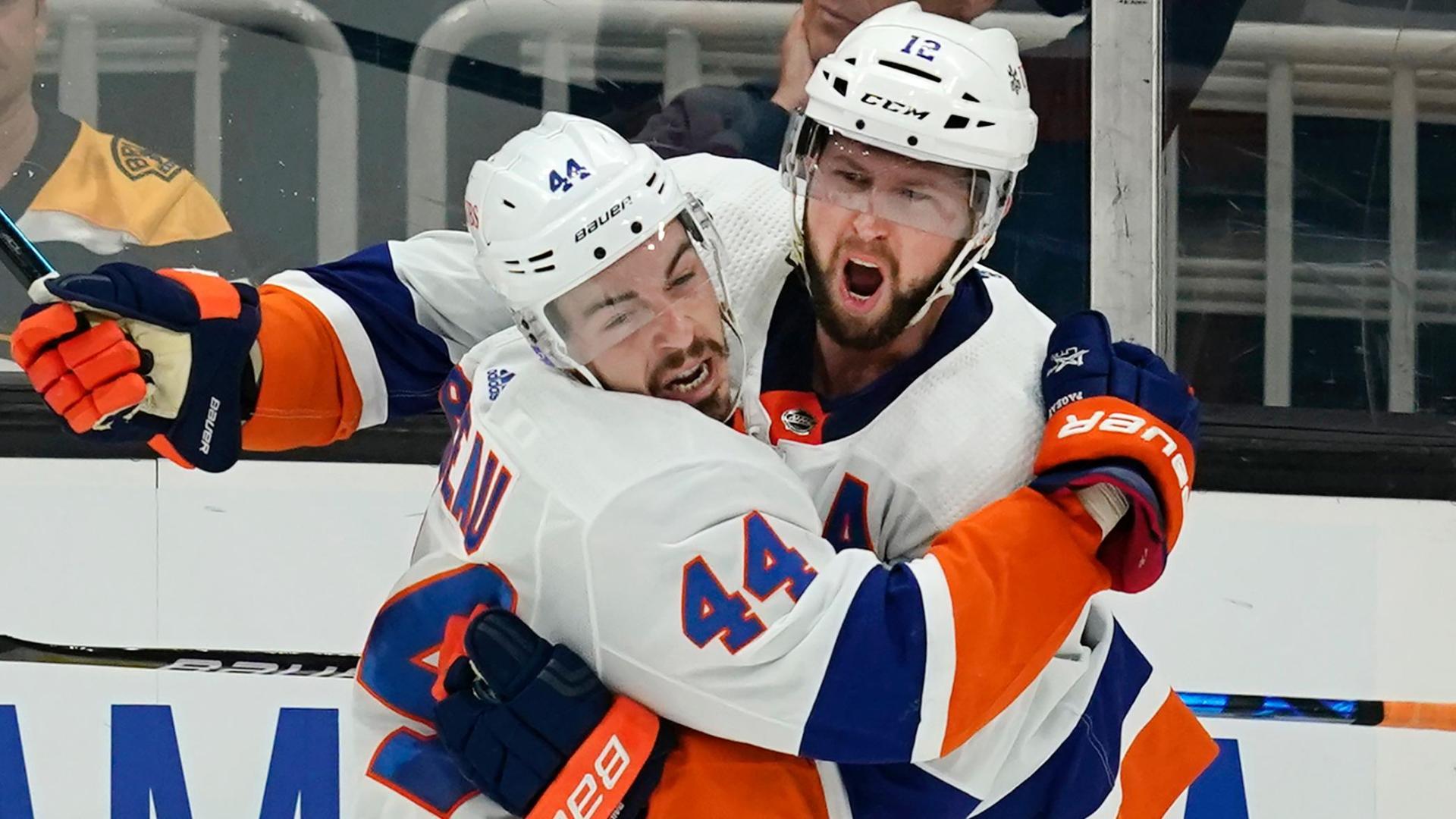 Islanders win pivotal Game 5 behind Josh Bailey's go-ahead goal