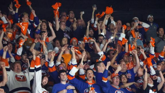 Islanders fans have some fun with 'New York Saints' chant
