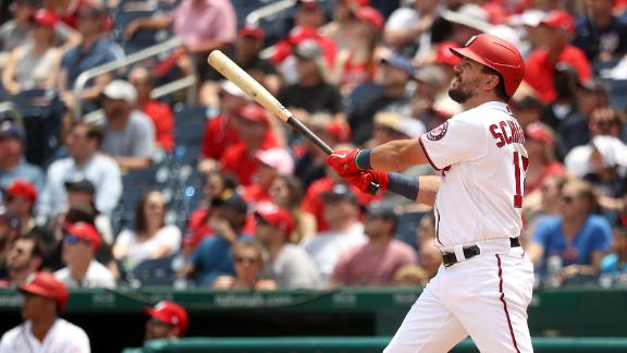 Kyle Schwarber hits 2 homers in Nationals' win