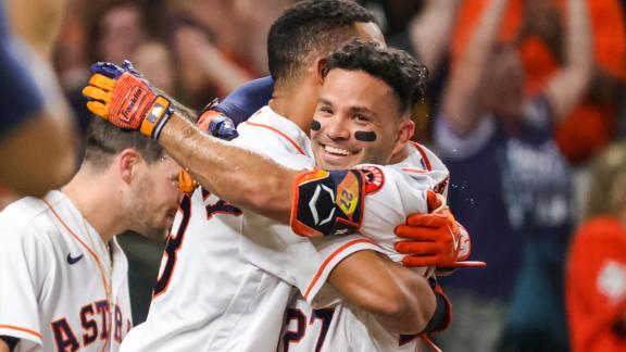 Altuve sends Houston into a frenzy with walk-off grand slam