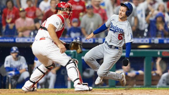 Trea Turner smoothly slides into home vs. Phillies
