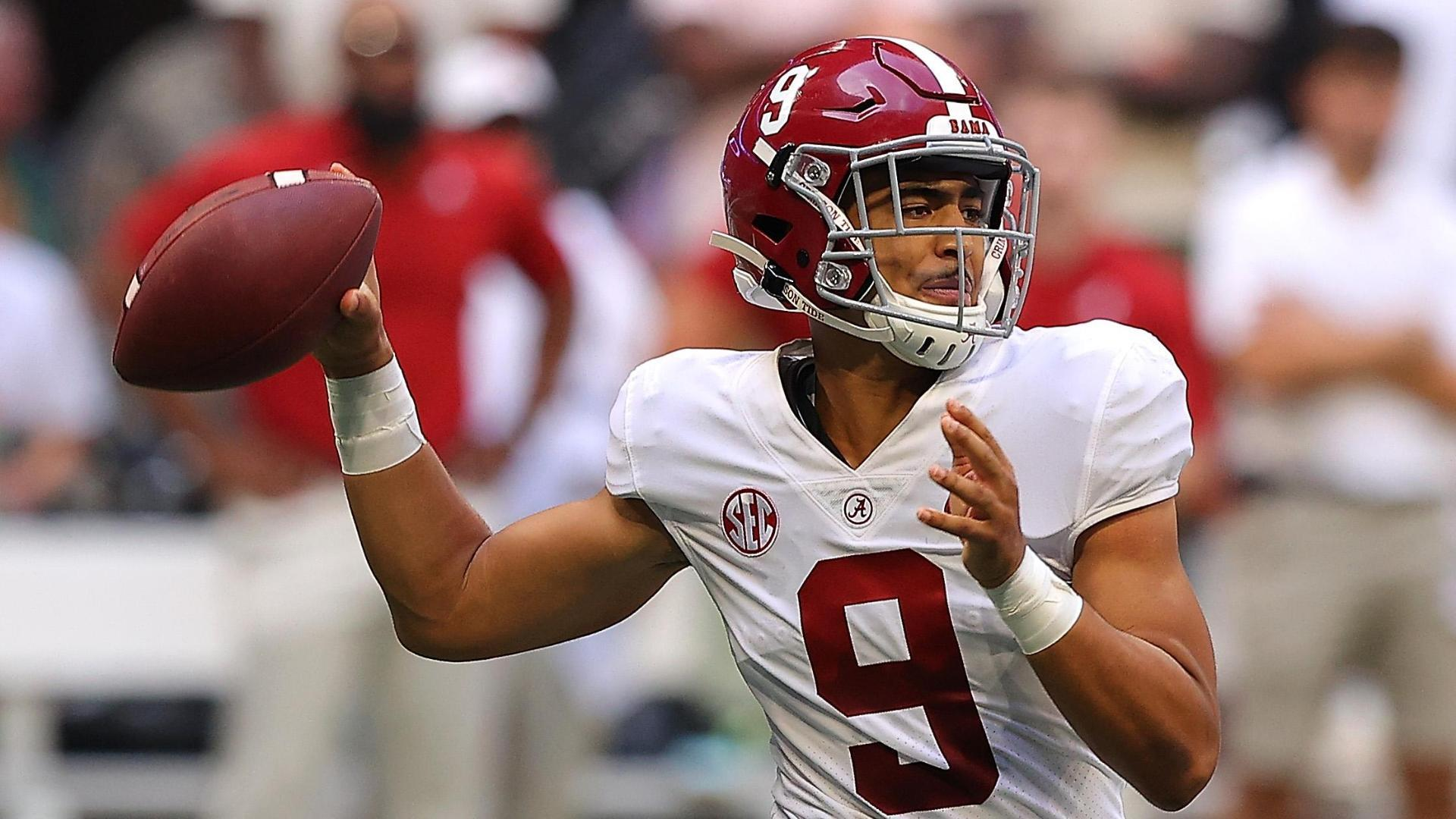 Bryce Young lights it up with 4 TDs in Bama's big win