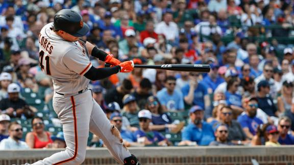 Wilmer Flores sends HR to bleachers as Giants sweep Cubs
