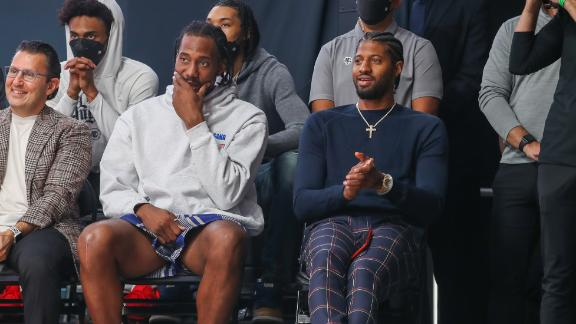 Kawhi, PG not entertained by Fitz and the Tantrums at Clippers' ceremony