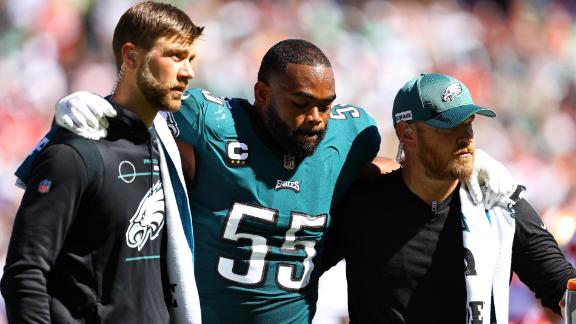 Graham injures leg on pass rush, has to be carted off