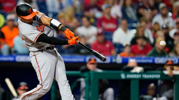 2-run 1st inning enough for Orioles to beat Phillies