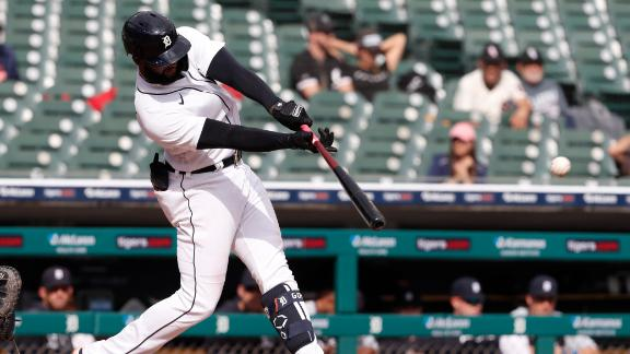 Goodrum's single puts Tigers ahead for good