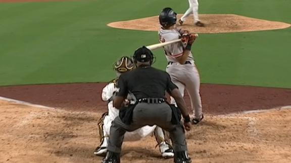 LaMonte Wade comes up clutch for Giants with 9th-inning RBI single