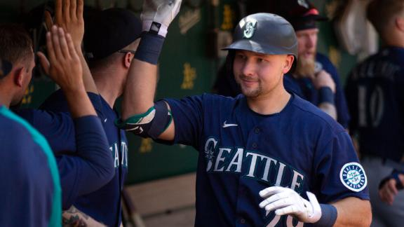 Mariners use their power to get past Athletics