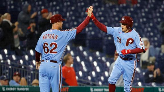 Ronald Torreyes' 3-run HR grabs the lead for Phillies in comeback win