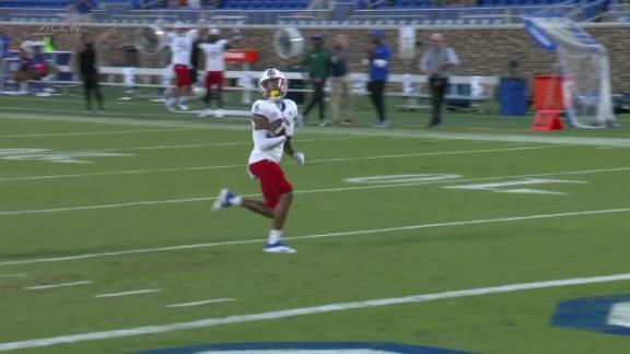 Kwamie Lassiter II hauls it in for 61-yard receiving touchdown