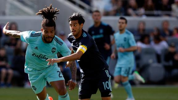 Vela dazzles in LAFC rout of Seattle