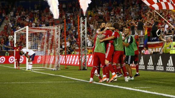 Red Bulls back on track with win over Fire