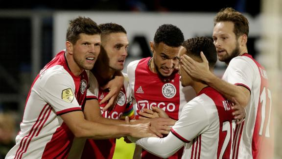 Sergino Dest assists twice in Ajax win
