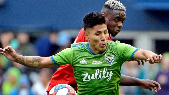 Ruidiaz seals MLS Cup for the Seattle Sounders