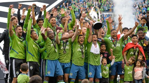 Seattle Sounders lift 2nd MLS Cup in 4 years