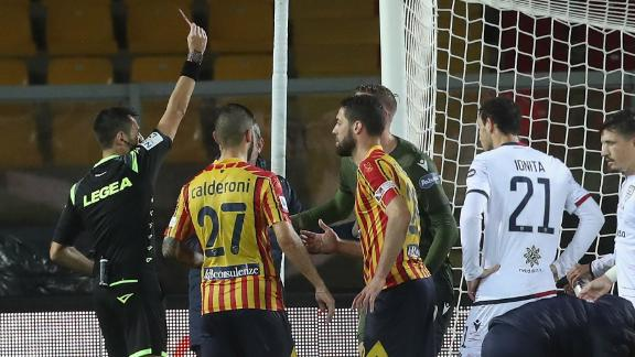 Lecce-Cagliari goes off the rails in wild draw