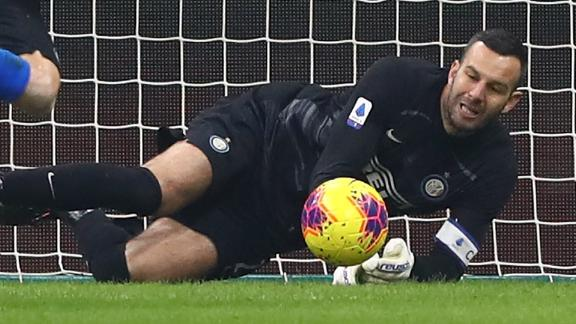 Handanovic brilliant penalty save rescues point for Inter