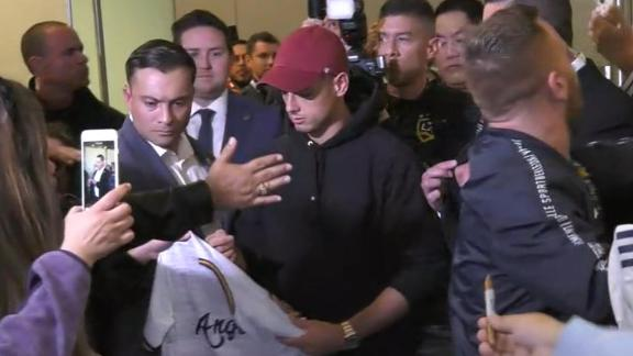 Chicharito mobbed at airport as he arrives in LA