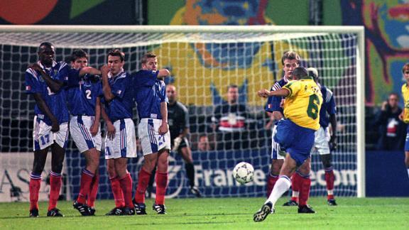 Roberto Carlos' free kick in 1997 vs. France was 'impossible'