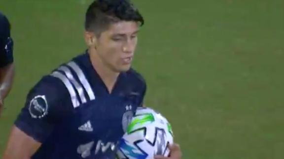 Alan Pulido gets Sporting KC back in the game before halftime
