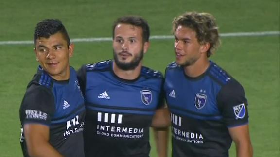 Earthquakes grab early lead over Galaxy
