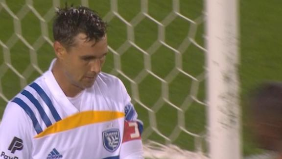 Wondolowski misses open net as San Jose falls at Houston