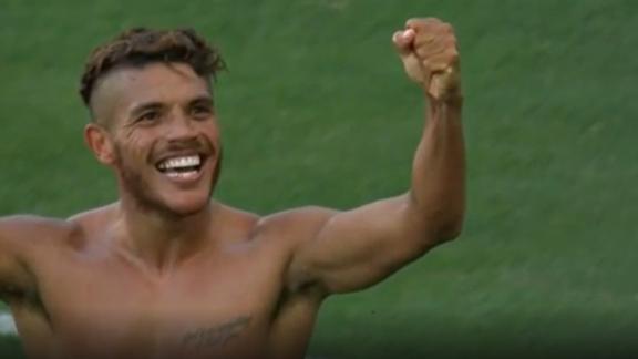 Galaxy reclaim the lead as Chicharito sets up Dos Santos