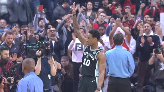 DeRozan gets ovation after videoboard tribute