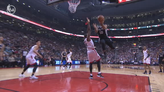 DeRozan pulls off insane 360 layup