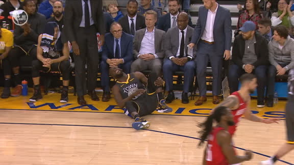 Draymond leaves game in apparent pain