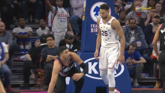 Kanter heated at Simmons after being knocked to the floor