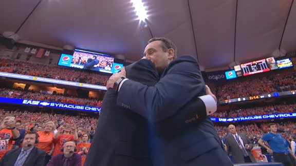 Boeheim receives standing ovation, embrace from Coach K