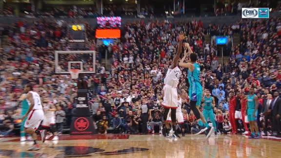 Hornets win on Lamb's buzzer-beater from half court