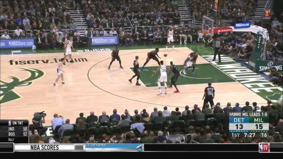 Bledsoe drops no-look dime for Middleton 3