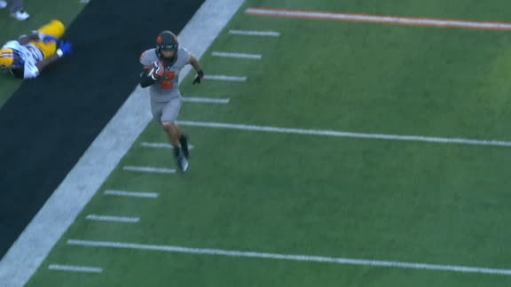 Oklahoma State's Wallace turns on burners for long TD