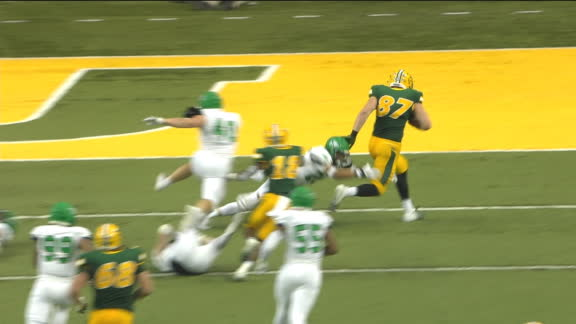 NDSU QB finds TE on hot route for touchdown