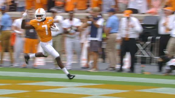 Tennessee returns blocked punt for TD