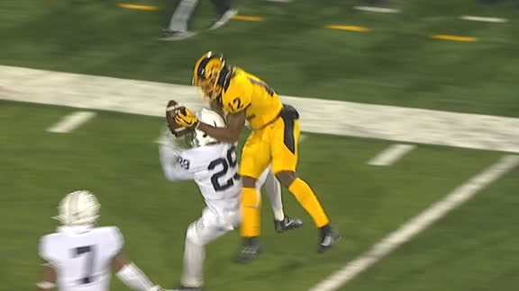 Smith Mosses defender for incredible Iowa TD