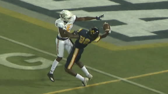 ETSU's Huzzie makes remarkable one-handed TD catch
