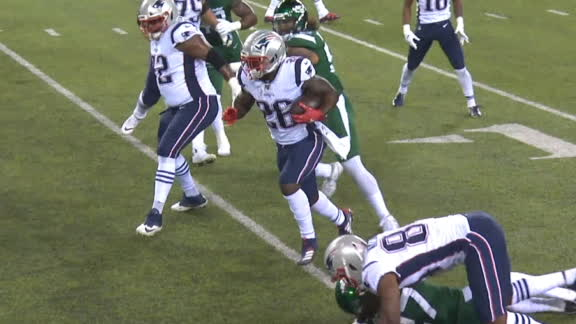 Michel sneaks in for Patriots TD