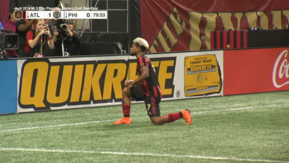 Martinez extends Atlanta's lead with beautiful strike