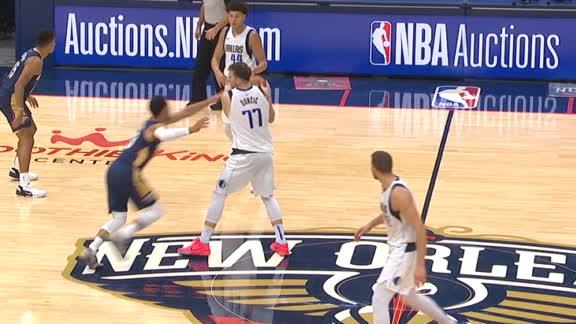 Hart rips Luka for fast-break basket
