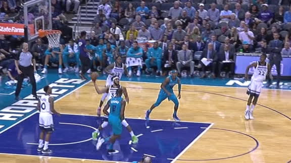 Towns' perfect outlet pass leads to layup