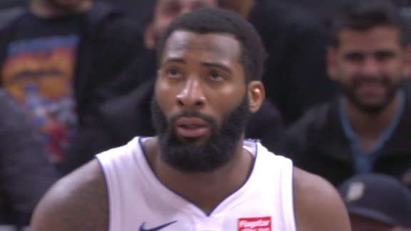 Drummond muscles his way to the basket