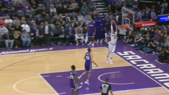 Nuggets capitalize on Kings' mistake for Murray dunk