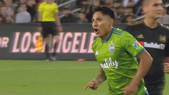 Ruidiaz scores again as Sounders close in on the final