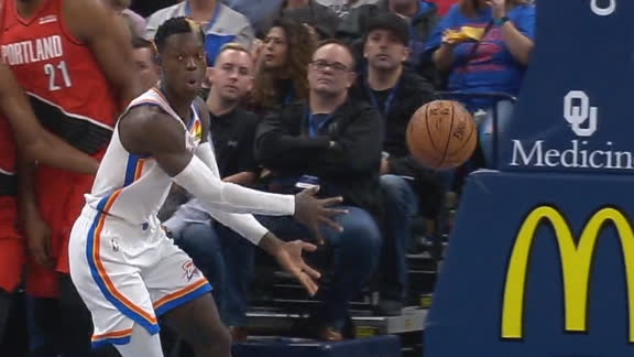 Schroder drops no-look dime to Gallinari