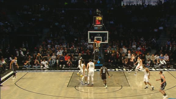 Jordan slams down alley-oop dunk